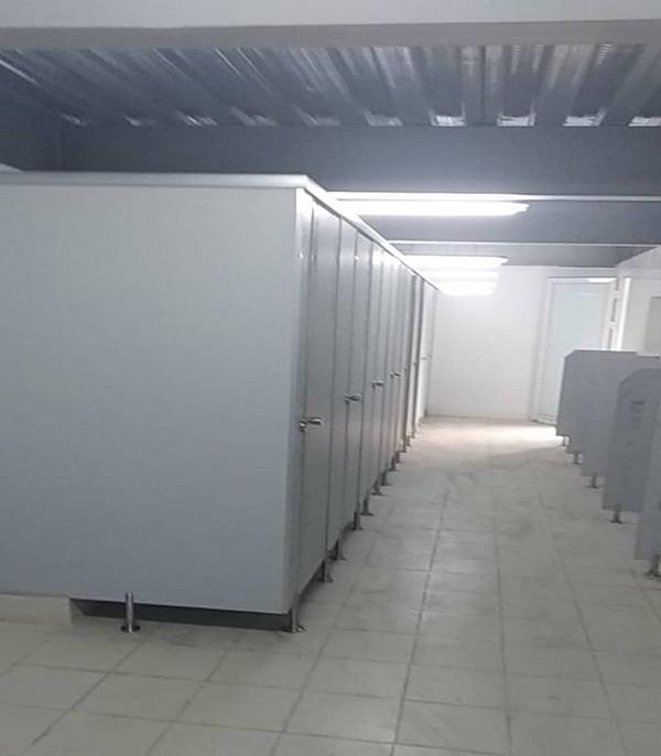 vách ngăn vệ sinh tại nhà máy nitori, kcn quang minh